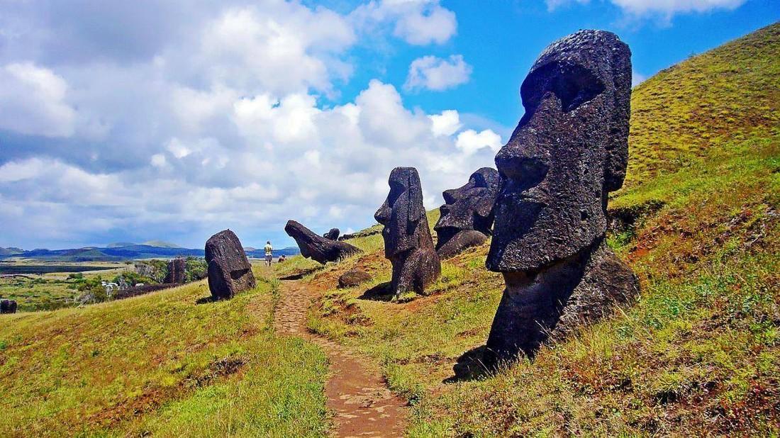 Остров Пасхи планируют переименовать и вести ограничения для туристов