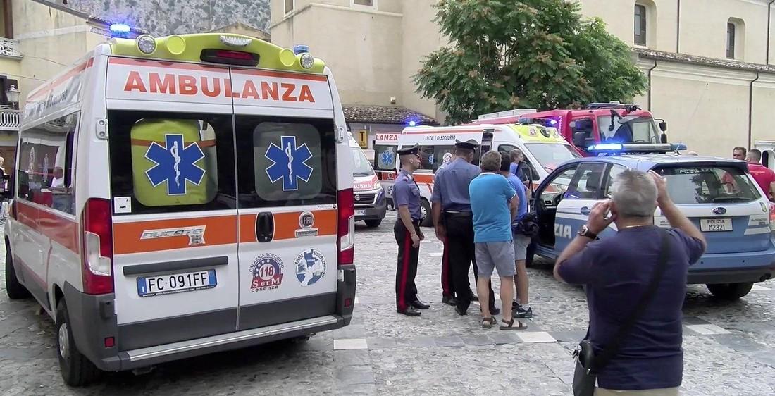 Российские туристы от паводка на юге Италии не пострадали