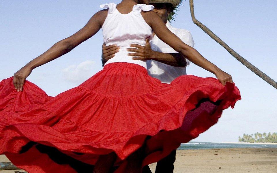 На колумбийском курорте туристов призвали отказаться от секса из-за жары