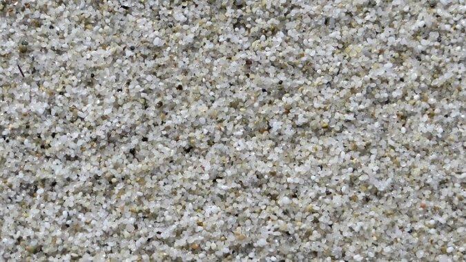 Две тонны пляжного песка конфискованы в аэропорту за год