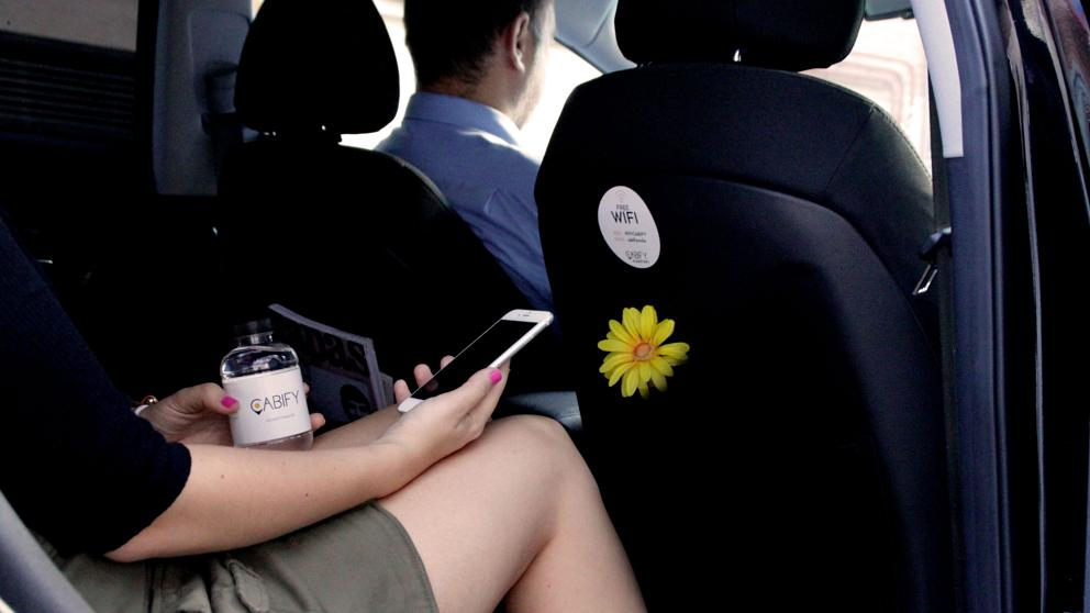 Cabify и Uber сделают проезд бесплатным в ближайшую среду