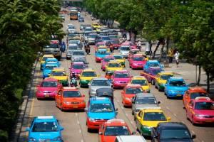 В Бангкоке арестовали десятки тысяч таксистов