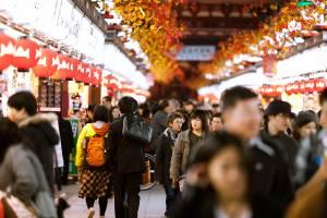 Японцы недовольны большим количеством туристов и их манерами