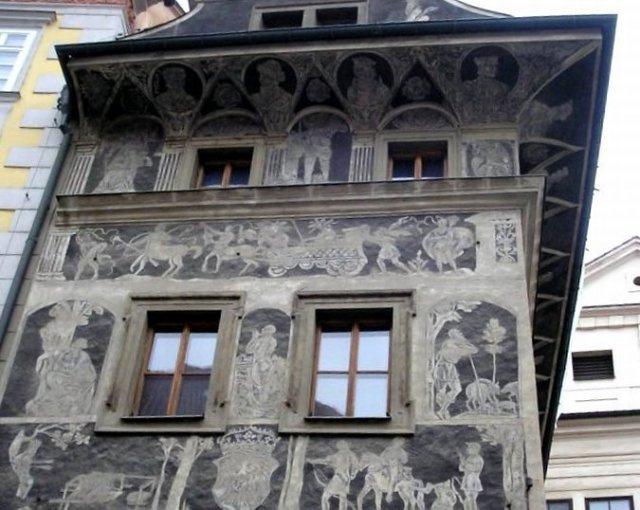 Самые знаменитые часы Европы открывают после реконструкции