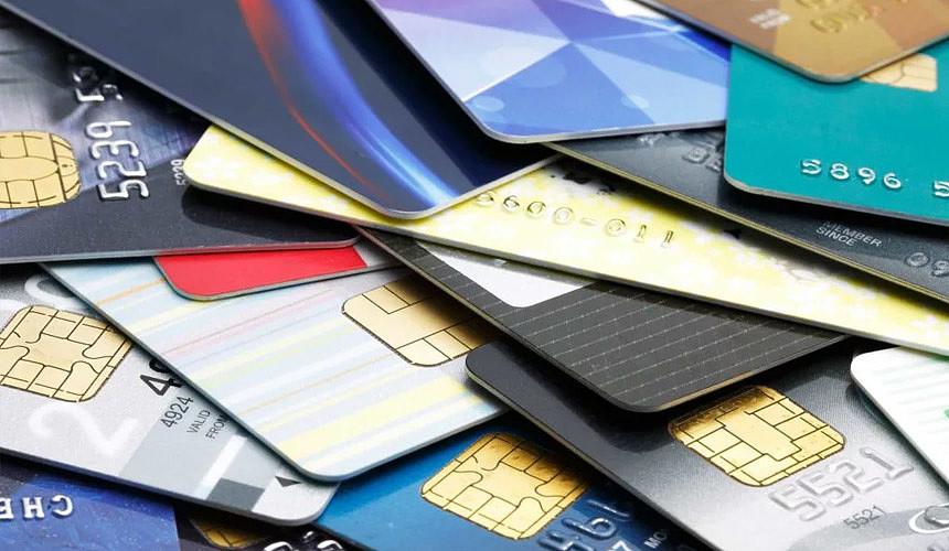 Банки начали предоставлять налоговикам данные о счетах физлиц-предпринимателей