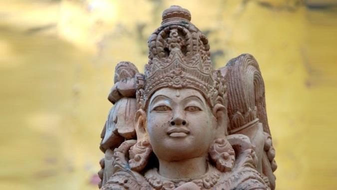 Бали шокирован, к святыням туристов будут пускать только в сопровождении