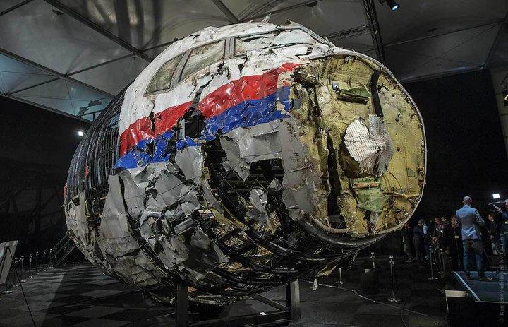 Ракета и Boeing, шпили для туристов, ожидание из СИЗО и Беларусь будущего - все за вчера