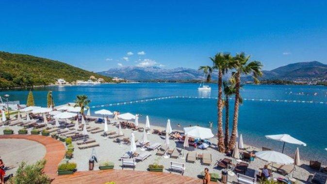 В июле Черногорию посетили более 178 тысяч туристов
