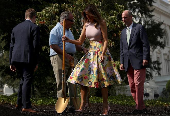 Мелания Трамп скопировала недавний наряд королевы Летисии