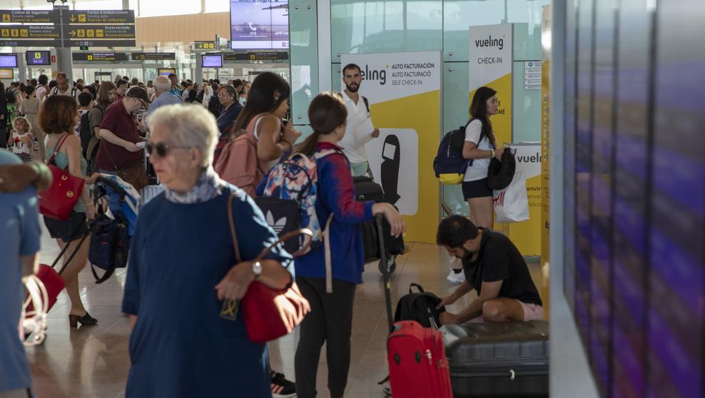 Аэропорт «Эль-Прат» побил собственный исторический рекорд по количеству пассажиров за один день