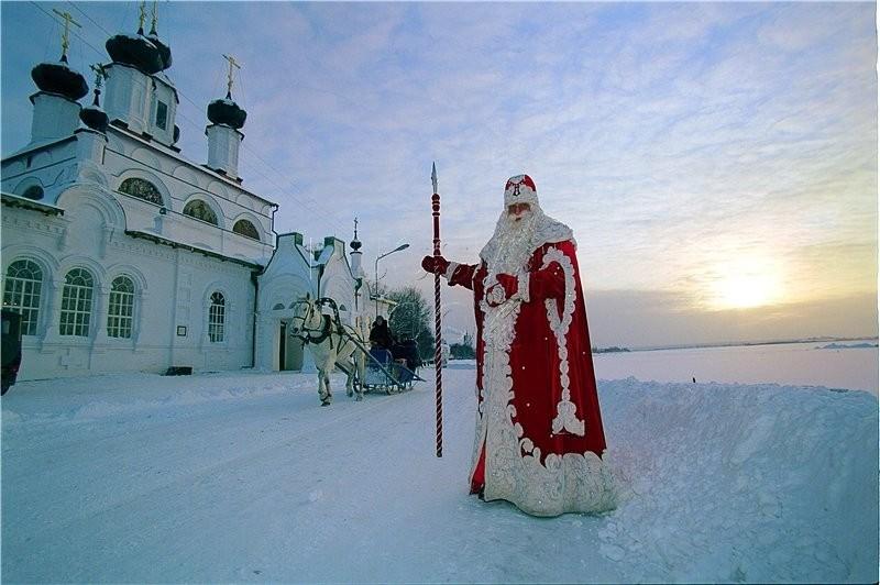 «Интурист» открыл новогодние программы в Вотчину деда Мороза