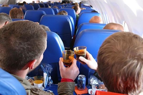В России планируют повысить штрафы для авиадебоширов