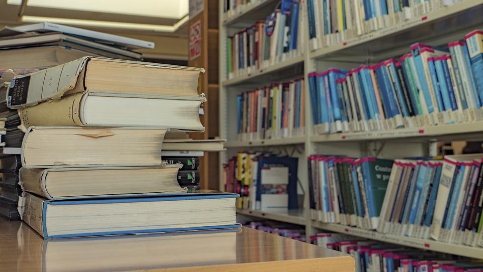 Из всех испанских автономий только в Андалусии и Наварре школьники получают учебники бесплатно