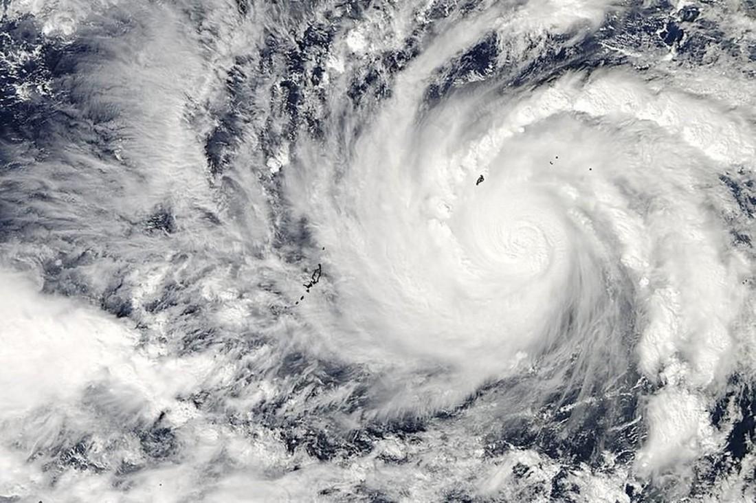 По курортам Юго-Восточной Азии проходит тайфун, в Гонконге отменены рейсы