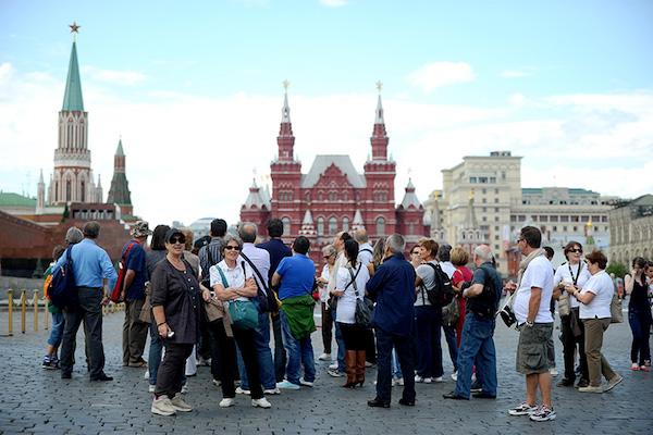 Москва вошла в 10-ку городов, страдающих от наплыва туристов
