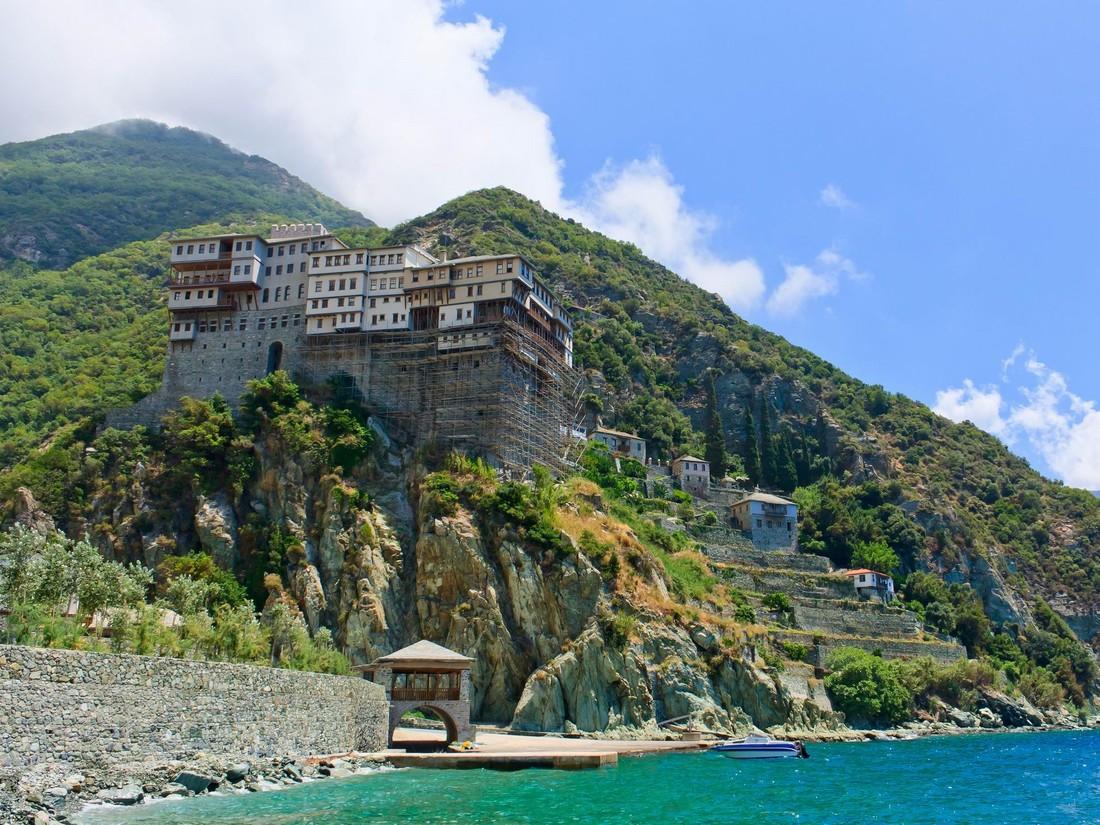 Великий Раскол: что теперь могут делать туристы-паломники РПЦ в храмах Анталии, Крита, Родоса и Афона?