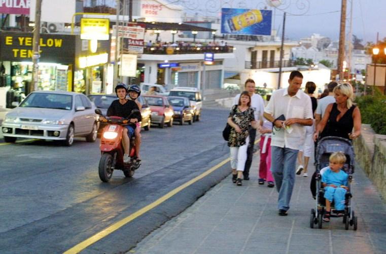 Российская туристка погибла под колесами такси на Кипре
