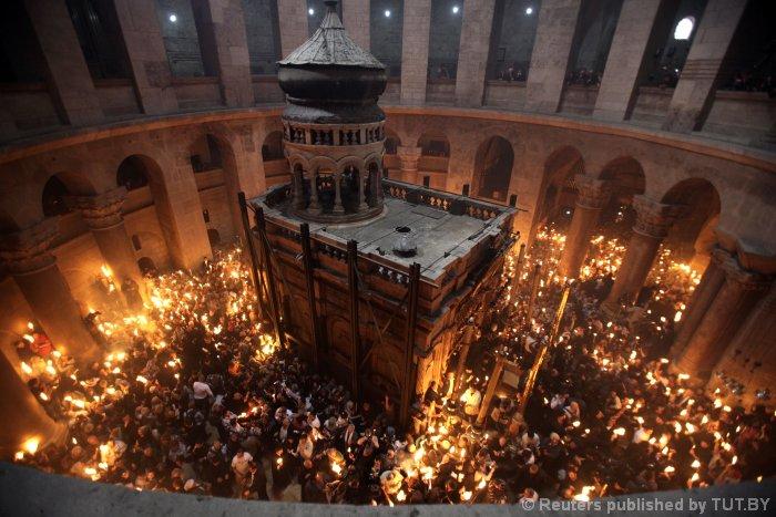 Можно ли молиться на Афоне и привезут ли Благодатный огонь? Как на верующих отразится церковный раскол