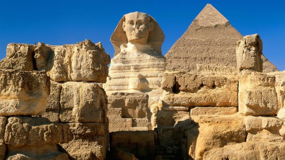 Фаттах ас-Сиси пообщался в Сочи с российскими туристами и пригласил их в Египет