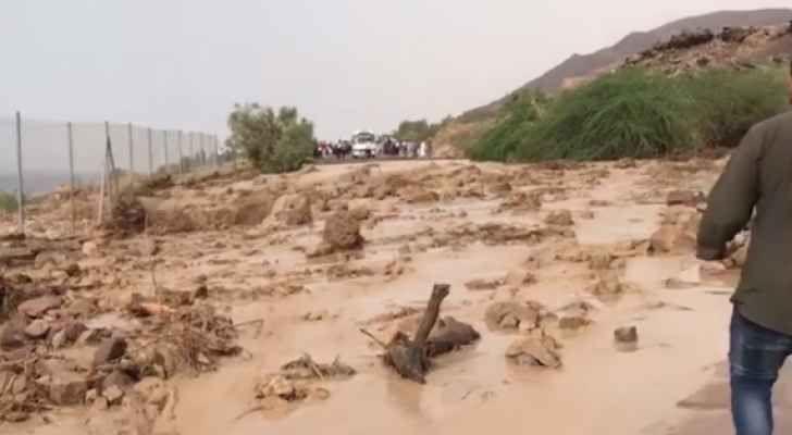 В Иордании ведутся поиски пропавших во время селя туристов