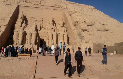 В Египте на фестиваль солнца в Абу-Симбеле собралось более 2000 туристов