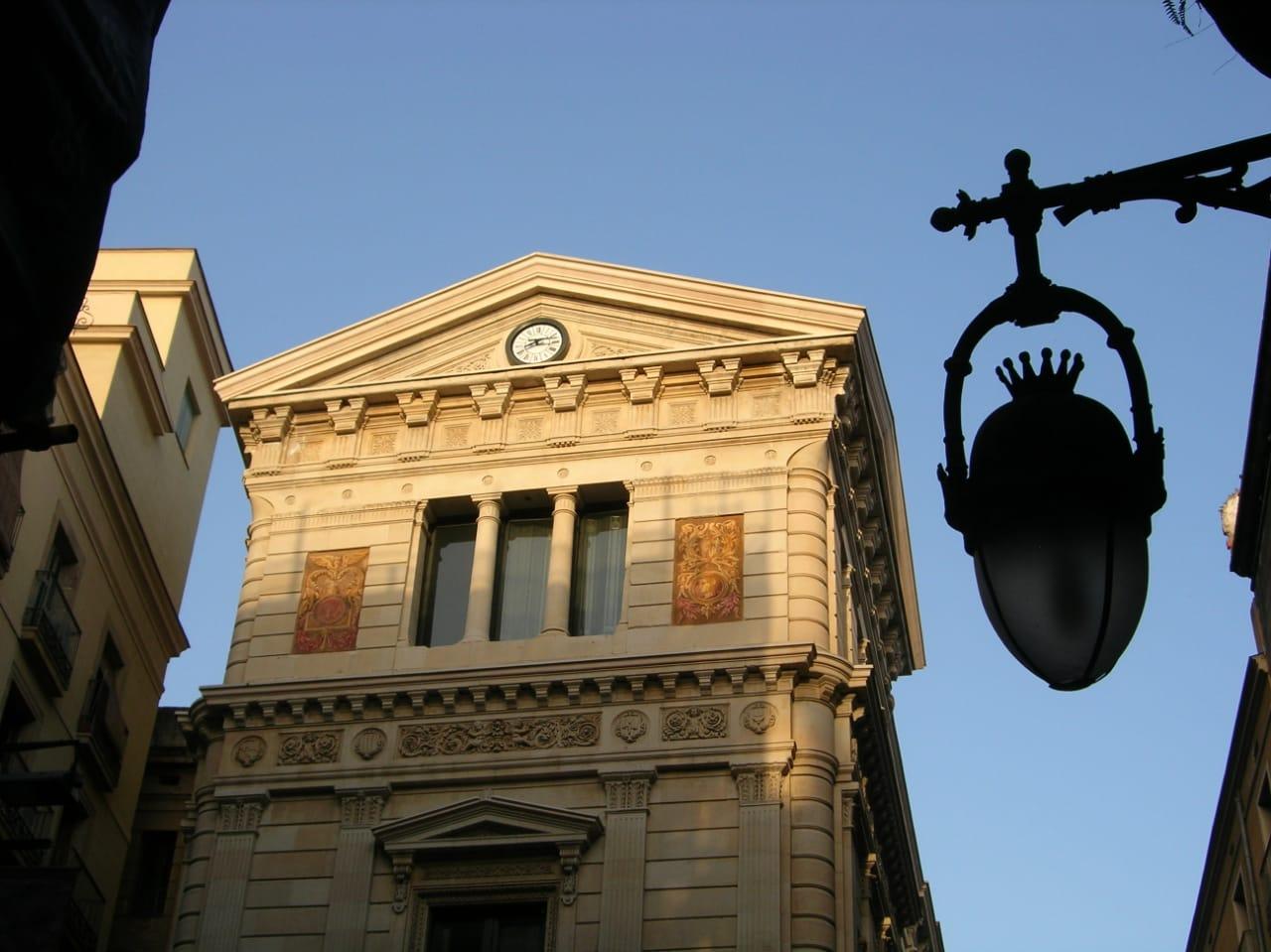 В Барселоне пройдет глобальная реконструкция здания XIX века