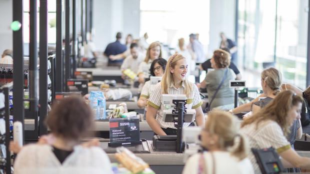 Mercadona предлагает 20 новых вакансий в день
