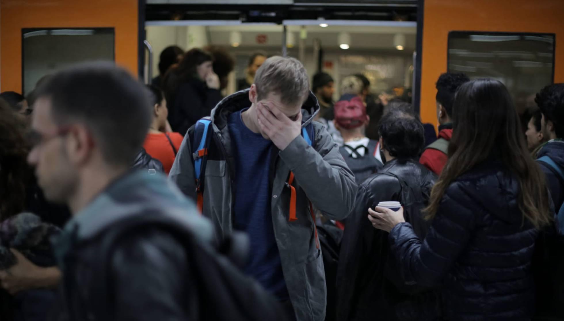 Забастовка на железной дороге Испании: около 300 поездов отменены