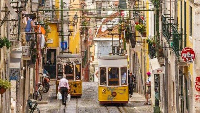 Лиссабонские домовладельцы выселяют жителей из-за туризма