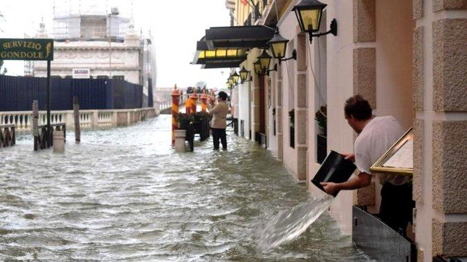 Погода в Италии по-прежнему не благоприятствует путешествиям
