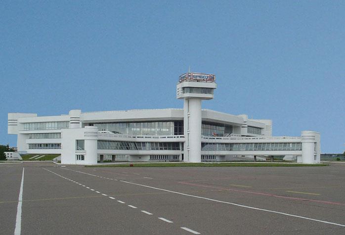 В брестском аэропорту из-за погоды застряли около 100 туристов, которые летели из Хургады в Гродно