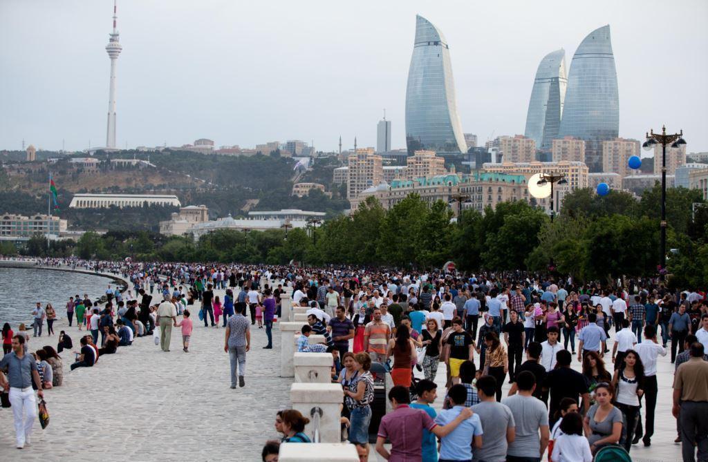 Российские туристы на первом месте среди туристов в Азербайджане
