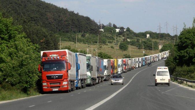 Болгария ждет на работу украинских водителей и официантов