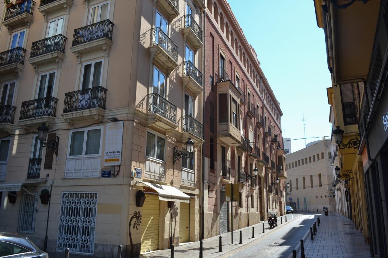 Иностранцы вкладывают в недвижимость больше, чем когда-либо в Испании: кто они и в каких регионах покупают