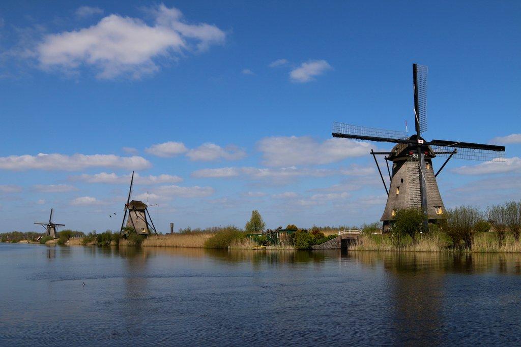 Жители голландской достопримечательности протестуют против туристов