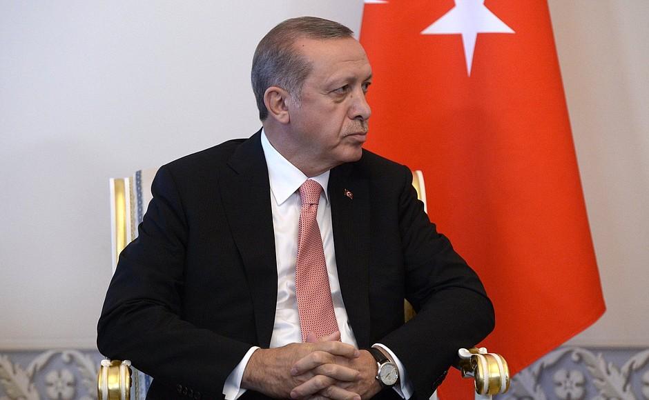 Эрдоган заявил о рекордном российском турпотоке в Турцию