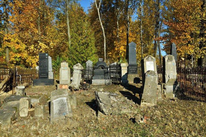 Могилевчан зовут на экскурсию по еврейскому кладбищу 7 ноября