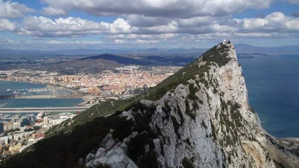 В связи с брекситом Гибралтар поднимет цены на табак, алкоголь и горючее