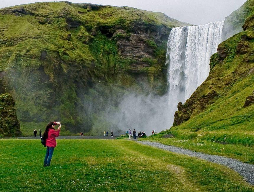 Исландия, ОАЭ и Сингапур возглавили список самых безопасных стран для туристов
