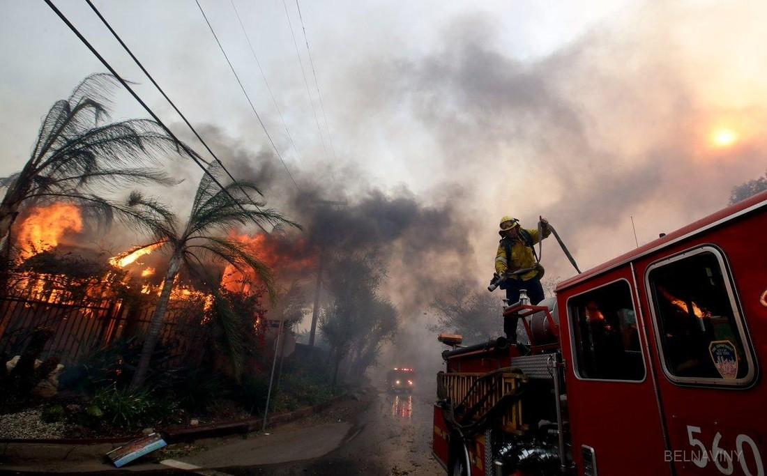 Ростуризм предупредил туристов об опасности в связи с пожарами в Калифорнии