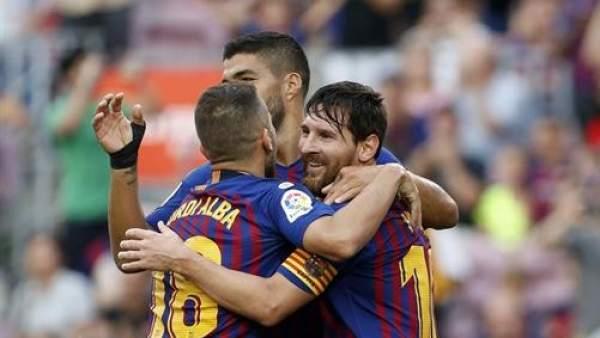 Футбольный клуб «Барселона» поставил рекорд по средней годовой зарплате игроков