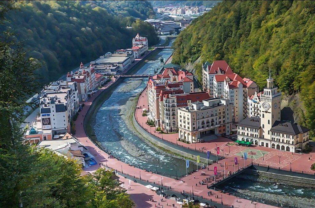 Курорт «Роза Хутор» за лето принял около 900 тыс. туристов