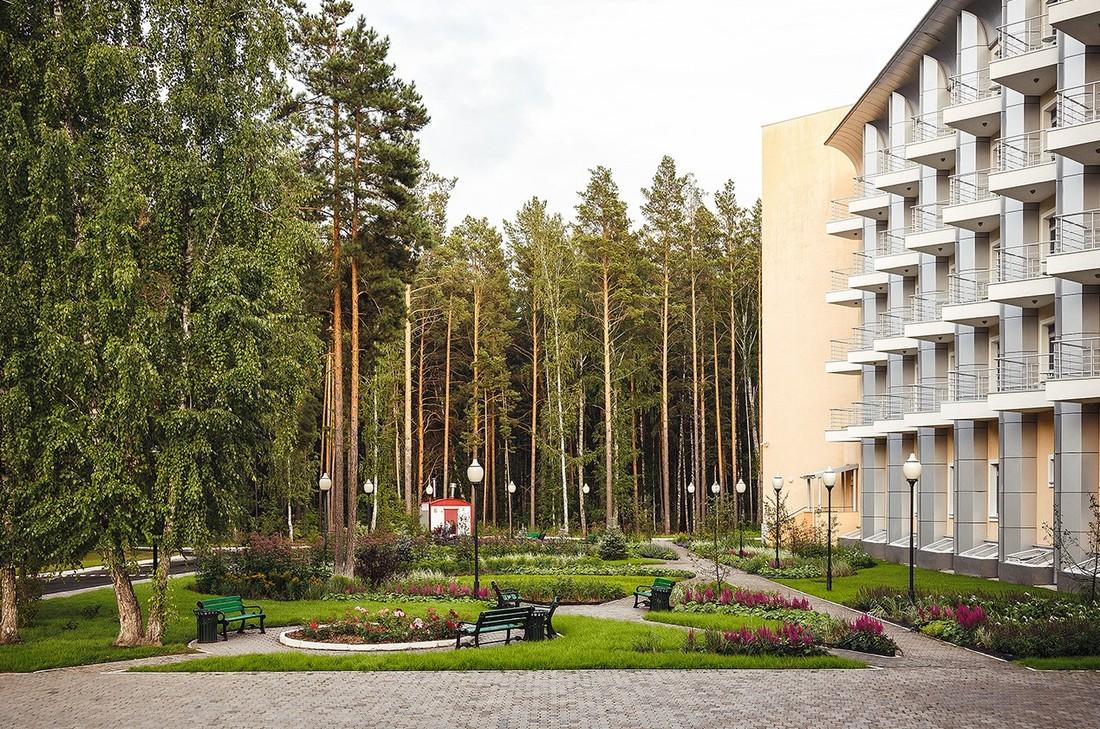 Медведев подписал стратегию для санаториев