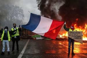 Беспорядки во Франции: чего опасаться туристам