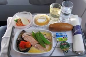 На рейсах из «Домодедово» пассажиры смогут попробовать оливье