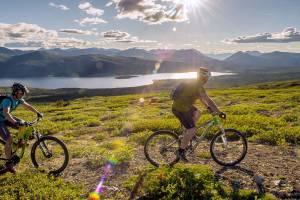 Туристы в 2019 году пересядут на велосипеды и отправятся к геотермальным курортам