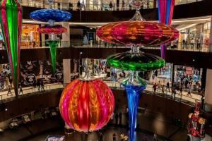 Рекорд зачтен. Теперь в Дубае самые гигантские шары и сосульки