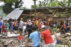 Мощное землетрясение вызвало угрозу цунами на Филиппинах