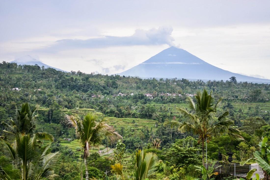 Власти Индонезии: природные катаклизмы лишили нас миллионов туристов