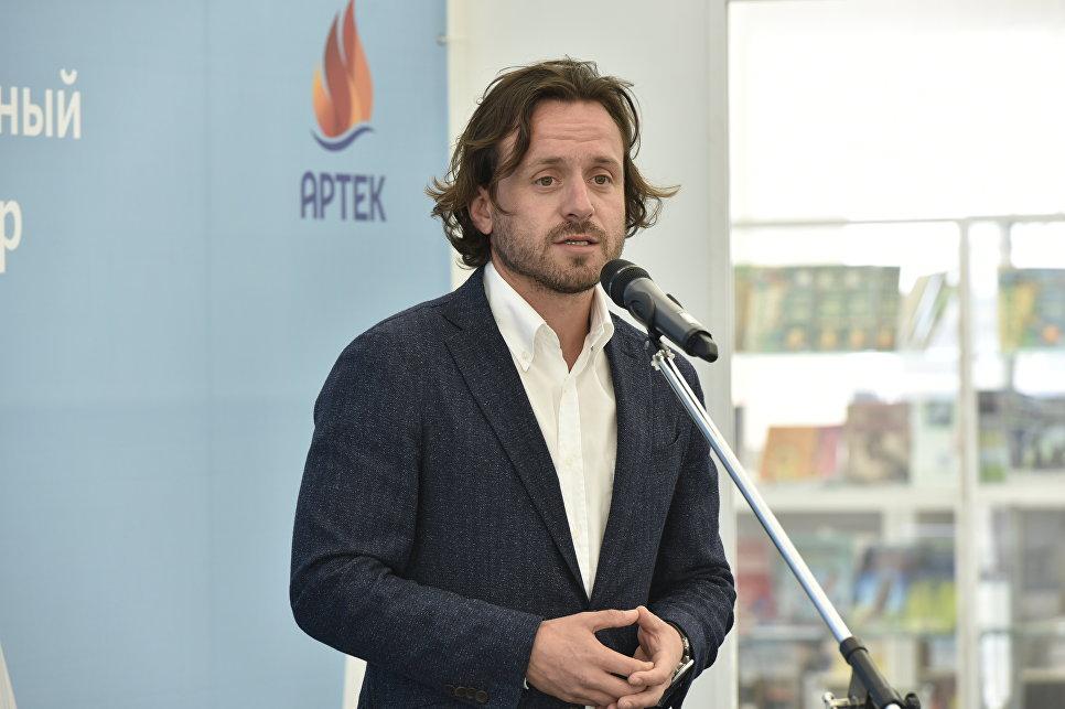 Экс-претендент на пост руководителя Ростуризма покинул Артек